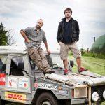 Filip en Michaël Blommaert met hun jeep