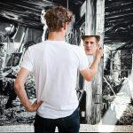 Rinus Van de Velde maakt zelfportretten